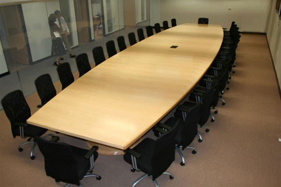 DeskMakers Custom Conference Tables - Pedestal conference table